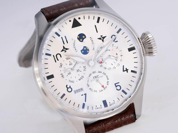 /watches_12/Iwc/Cool-IWC-Big-Pilot-Perpetual-Calender-White-Dial-3.jpg