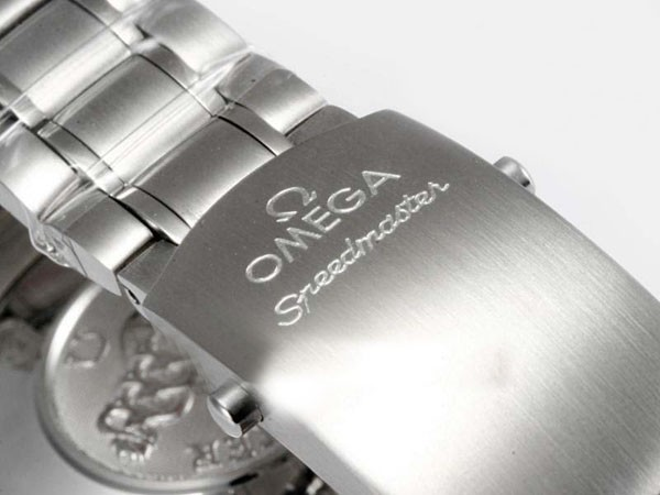 /watches_12/Omega/Great-Omega-Speedmaster-Date-3210-50-00-Working-2.jpg