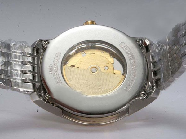 /watches_12/Omega/Popular-Omega-Hour-Vision-See-Thru-Case-Automatic-1.jpg
