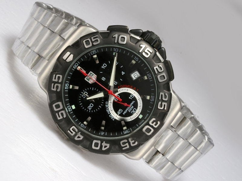 Fake Quintessential Tag Heuer Formula 1 Working Chronograph with Black Dial and Bezel AAA Watches [M7B1]